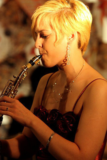 Alluring Night with A Touch of Bossa – Jazz – Sax by Aude Lhotelais Live at Dream Hotel Bangkok